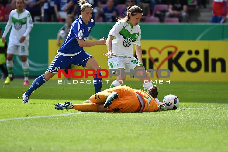 21.05.2016, RheinEnergie Stadion, Koeln, GER, DFB Pokal Finale Frauen 2015/2016  SC Sand vs VfL Wolfsburg  <br /> im Bild / picture shows: <br /> Angriff Sand Almuth Schult Torwart ( VFL Wolfsburg #01 )verliert den Ball, die Sander sehen eine Chance <br /> hinten Jana Vojtekov&aacute; ( SC Sand #20 ) und Elise Bussaglia ( VFL Wolfsburg #30 )<br /> <br /> <br /> <br /> <br /> Foto &copy; nordphoto / meuter