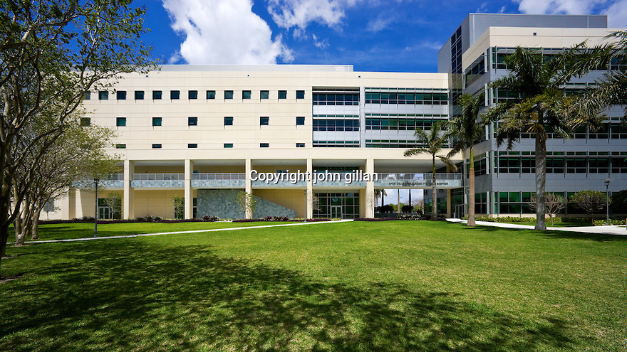 FIU College of Nursing