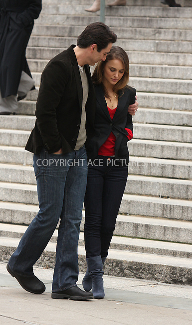 """WWW.ACEPIXS.COM . . . . .  ....December 18 2008, New York City....Actors Natalie Portman and Scott Cohen on the set of the movie """" 17 Photos of Isabel"""" in lower Manhattan on December 18 2008 in New York City....Please byline: AJ Sokalner - ACEPIXS.COM..... *** ***..Ace Pictures, Inc:  ..tel: (212) 243 8787..e-mail: info@acepixs.com..web: http://www.acepixs.com"""