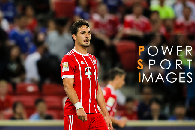 Bayern Munich Defender Mats Hummels in action during the International Champions Cup match between Chelsea FC and FC Bayern Munich at National Stadium on July 25, 2017 in Singapore. Photo by Marcio Rodrigo Machado / Power Sport Images