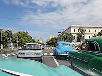 HAVANA-CUBA - 11.10.2016: Tráfego de veículos em avenida do bairro Vedado, em Havana, Cuba.  (Foto: Bete Marques/Brazil Photo Press)