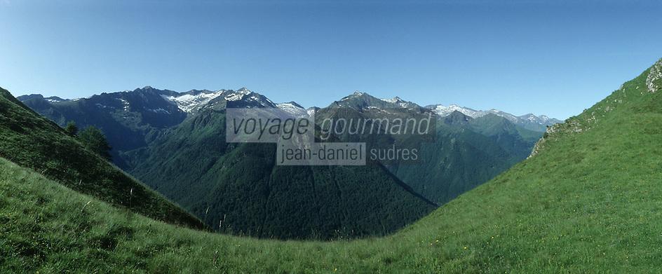 France/09/Ariège/Col d'Agnès: Depuis Col d'Agnès vue sur les sommets du Couseran Pic des trois Comtes et Pic Rouge