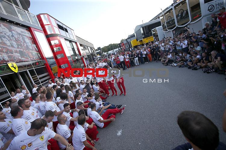 07.09.2019, Autodromo Nazionale di Monza, Monza, FORMULA 1 GRAN PREMIO HEINEKEN D'ITALIA 2019<br />,im Bild<br />Gruppenbild von Ferrari zum 90. jährigen Jubiläum, mit Sebastian Vettel (GER#5), Scuderia Ferrari Mission Winnow und Charles Leclerc (MCO#16), Scuderia Ferrari Mission Winnow<br /> <br /> Foto © nordphoto / Bratic