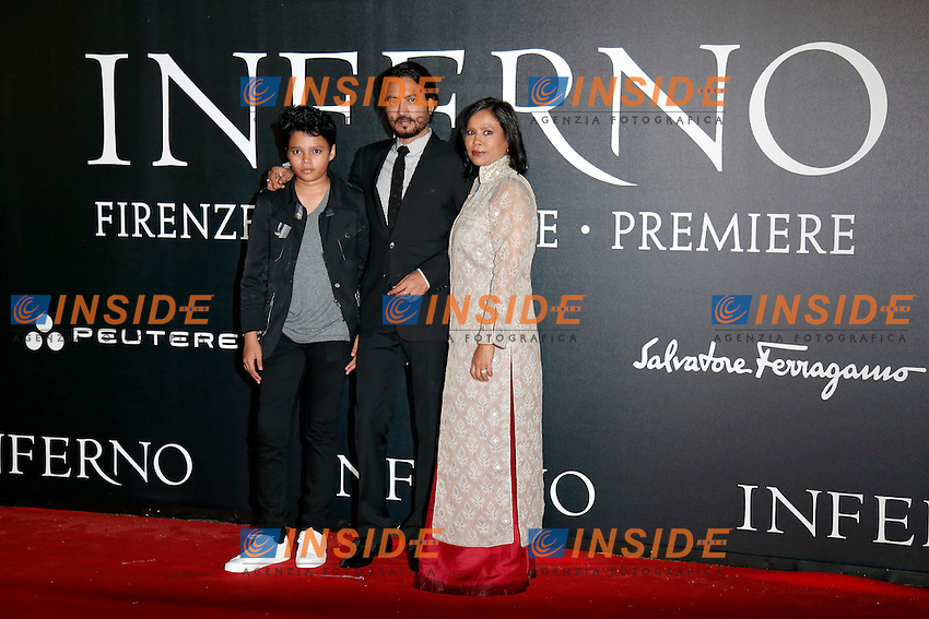 Irrfan Khan con la famiglia<br /> Irrfan Khan with his wife and son<br /> Firenze 08-10-2016. 'Inferno' Anteprima Mondiale.<br /> Florence 8th October 2016. 'Inferno' World Premiere.<br /> Foto Samantha Zucchi Insidefoto