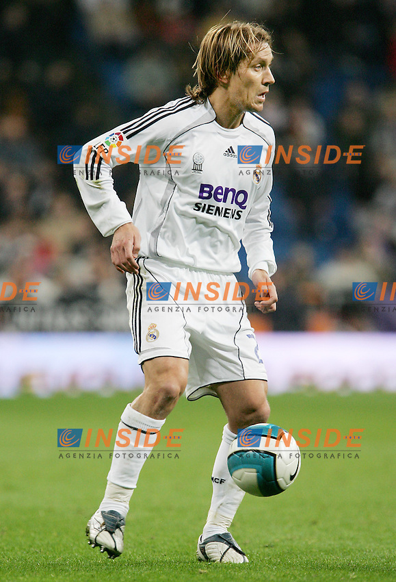 Real Madrid's Michel Salgado during Spain's La Liga match at Santiago Bernabeu stadium in Madrid, Sunday February 04, 2007. (INSIDE/ALTERPHOTOS/Alvaro Hernandez).