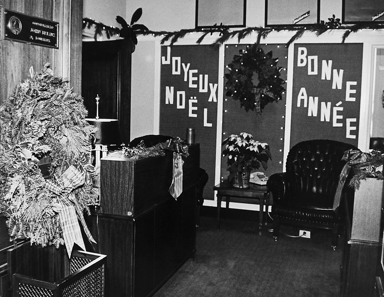 Decorated office of Rep. John Breaux, D-La., around Christmas at Rayburn House Office Building. (Photo by CQ Roll Call via Getty Images)