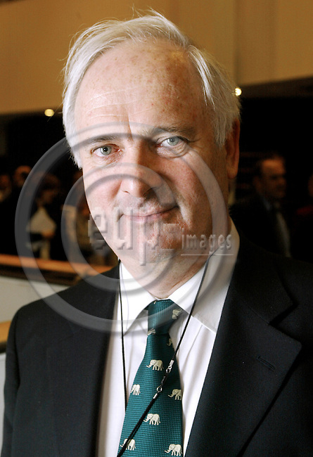 BRUSSELS - BELGIUM - 05 DECEMBER 2002--John BRUTON Irish MP at the Convention Meeting in the EU-parliament.-- PHOTO: EUP-IMAGES.COM / JUHA ROININEN