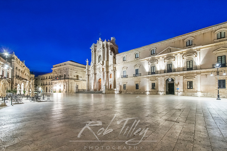Europe, Italy, Sicily, Syracuse, Piazza Duomo at Dawn