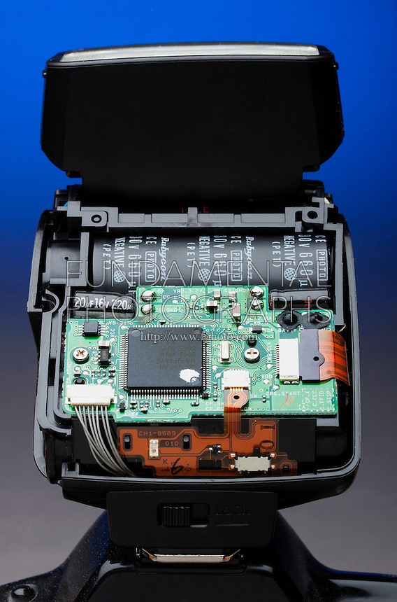 DISASSEMBLED CAMERA FLASH<br />