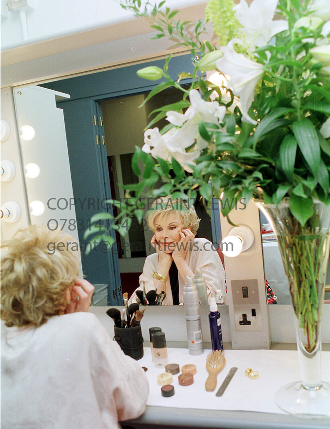 Joan Rivers in her dressing room at the Edinburgh Festival Theatre prior to a rehersal  of her show Edin 2001 pic Geraint Lewis