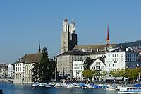 Großmünster und Limmatufer, Zürich, Schweiz