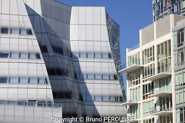 Amérique, Etats Unis, état de New York, New York, Manhattan, immeuble IAC de Frank Gehry//America, United States, New York state, New York city, Manhattan, IAC building by Frank Gehry
