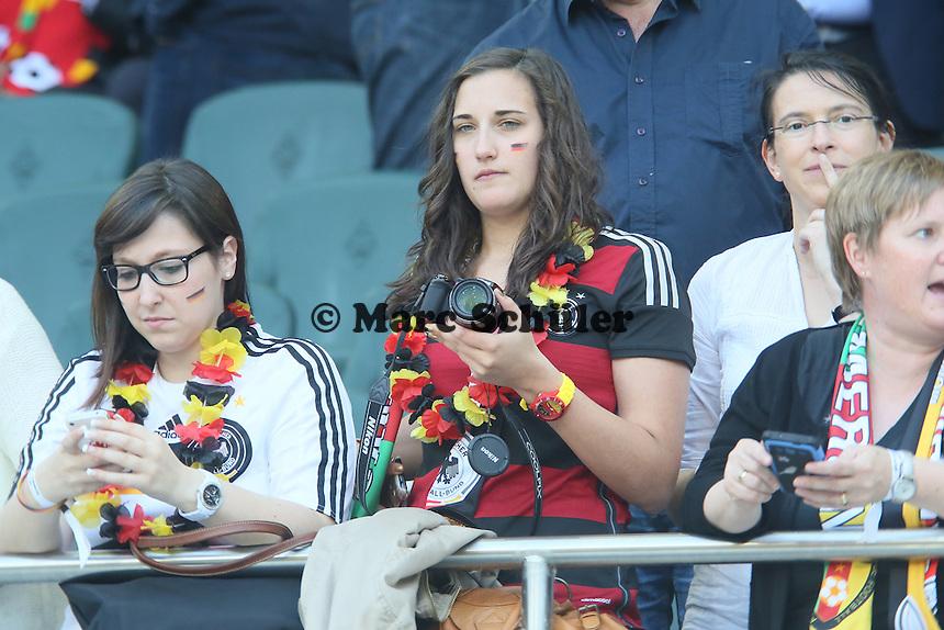 Deutsche Fans auf den Rängen - Deutschland vs. Kamerun, Mönchengladbach