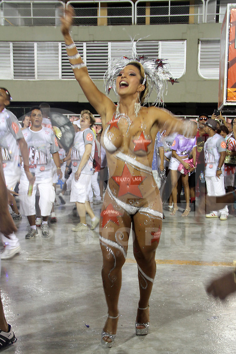 RIO DE JANEIRO, RJ, 20 DE JANEIRO 2013 - ENSAIOS TÉCNICOS CARNAVAL RJ - Valesca Popozuda samba na Sapucaí como destaque da Académicos do Salgueiro. FOTO: NÉSTOR J. BEREMLUM - BRAZIL PHOTO PRESS.