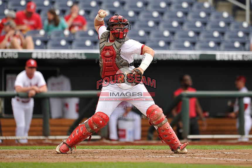 Indiana Hoosiers catcher Ryan Fineman (29) throws throws to second base during the Big Ten Tournament game against the Maryland Terrapins at TD Ameritrade Park on May 25, 2016 in Omaha, Nebraska.  Maryland  won 5-3.  (Dennis Hubbard/Four Seam Images)