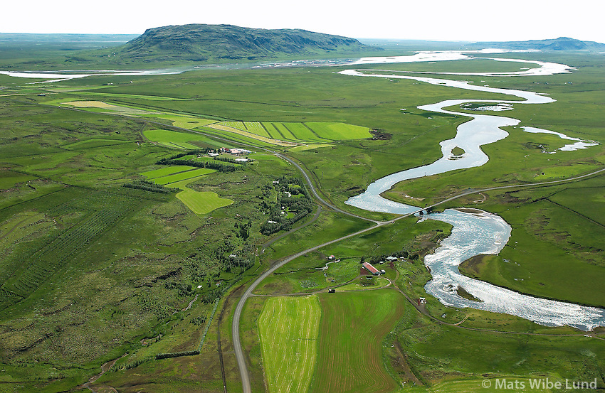 Sp&oacute;asta&eth;ir, Br&uacute;ar&aacute; m&aelig;tir Hv&iacute;t&aacute; &aacute; milli V&ouml;r&eth;ufell og Hestfjall, Biskupstungnahreppur fremst.  /  <br /> Spoastadir and river Bruara meeting Hvita in the background. Mount Vordufell left and Hestfjall right.     -  New county name: Bl&aacute;sk&oacute;gabygg&eth; /  Blaskogabyggd.