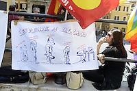 Roma, 24 Maggio 2012.Piazza Montecitorio del sindacato USB.Lavoratori e lavoratrici degli enti per la  ricerca tra cui Isfol, manifestano in difesa degli enti a rischio soppressione