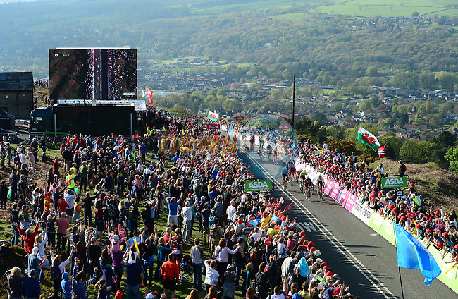 Riders climb the Cow and Calf near the finish of Stage 2 of the Tour de Yorkshire 2018 running 149km from Barnsley to Ilkley, England. 4th May 2018.<br /> Picture: ASO/Alex Broadway | Cyclefile<br /> <br /> <br /> All photos usage must carry mandatory copyright credit (© Cyclefile | ASO/Alex Broadway)
