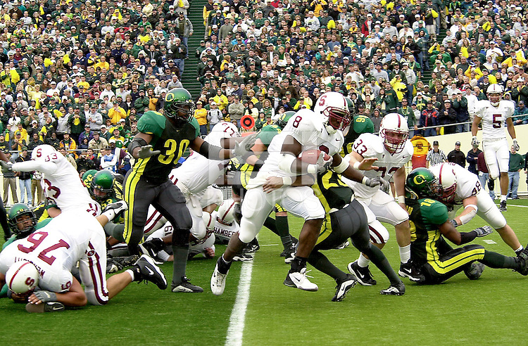 Kerry Carter goes in for his second touchdown on a 4th and 1 in the second quarter during Stanford's 49-42 win over #5 ranked Oregon on October 20, 2001 in Eugene, OR.<br />