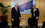 150202: Jean-Claude JUNCKER receives Winfried KRETSCHMANN
