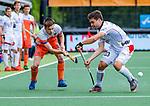 Den Bosch  - Thierry Brinkman (Ned) met Arthur de Sloover (Belgie)  tijdens   de Pro League hockeywedstrijd heren, Nederland-Belgie (4-3).    COPYRIGHT KOEN SUYK