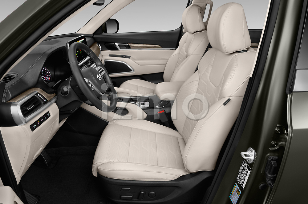 Front seat view of a 2020 KIA Telluride SX 5 Door SUV front seat car photos