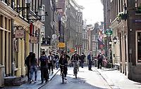 Nederland - Amsterdam - 2019. De Zeedijk.   Foto Berlinda van Dam / Hollandse Hoogte