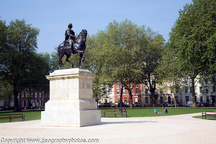 Equestrian bronze by Rysbrack of William III from the 1730s, Queen Square, bristol