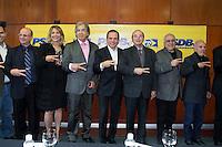 SAO PAULO, SP - 20.07.2016 - ELEI&Ccedil;OES-SP-2016 - O pr&eacute;-candidato &agrave; prefeitura de S&atilde;o Paulo, Jo&atilde;o D&oacute;ria (PSDB) acompanhado da presidenta do PMB, Denise Abreu, vice-presidente do PTC, Ciro Moura, o secret&aacute;rio estadual pelo PSDB, Faria Lima, o ex-fugilista, &Eacute;der e Tony Rodriguez, vice presidente nacional do PTdoB na tarde desta quarta-feira (20) no World Trade Center (WTC) na zona sul de S&atilde;o Paulo. Durante o evento o partido PTC anuncia o apoio &agrave; candidatura de D&oacute;ra para prefeito de S&atilde;o Paulo.<br /> <br /> (Foto: Fabricio Bomjardim / Brazil Photo Press)