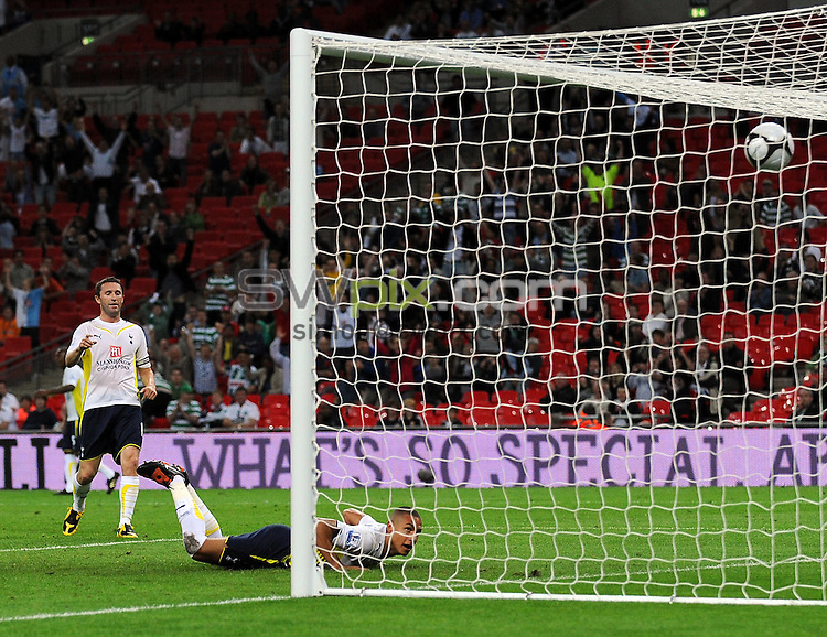PICTURE BY JEREMY RATA/SWPIX.COM. Wembley Cup - Tottenham Hotspur v FC Barcelona, Wembley Stadium, London, England. 24th July 2009. Spur's Jake Livermore scores the equalising goal ..Copyright - Simon Wilkinson - 07811267706