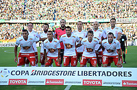 MEDELLÍN -COLOMBIA-19-04-2016. Jugadores de Huracan de Argentina  posan para una foto previo al partido con Atlético Nacional de Colombia por la fecha 6, G4, de la Copa Bridgestone Libertadores 2016 jugado en el estadio Atanasio Girardot de la ciudad de Medellín. / Eduardo Dominguez coach of Huracan of Argentina pose to a photo prior the match against Atletico Nacional de Colombia for the date 6, G4, of the Copa Bridgestone Libertadores 2016 played at Atanasio Girardot stadium in Medellin city. Photo: VizzorImage/ León Monsalve /Str