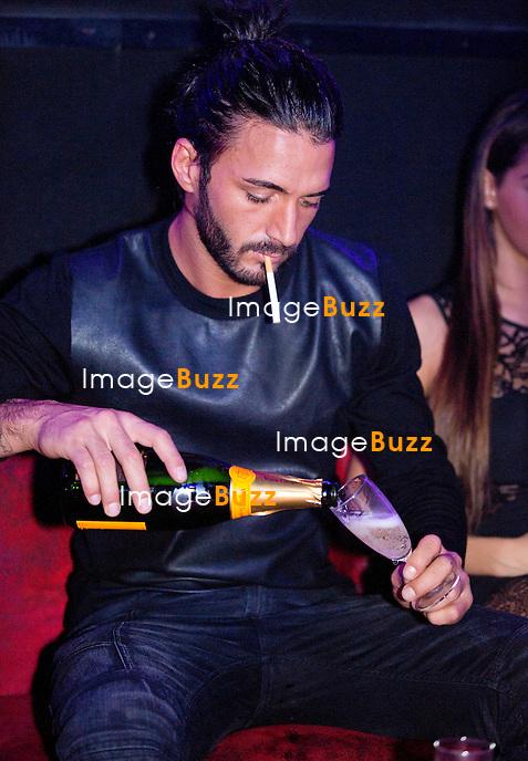 NABILLA BENATTIA ET THOMAS VERGARA FONT LA FETE AU NICE CLUB EN BELGIQUE.<br /> Nabilla B&eacute;natttia et Thomas Vergara &eacute;taient les invit&eacute;s du &quot; Nice Club &quot;,  &agrave; Dour, en Belgique, ce vendredi 8 novembre.<br /> Une soir&eacute;e tr&egrave;s arros&eacute;e en champagne jusqu'&agrave; 6 heures du matin o&ugrave; le couple s'est montr&eacute; tr&egrave;s amoureux. Belgique, Dour, 8 novembre 2013.<br /> Photos exclusives - NO WEB, NO BLOGS.