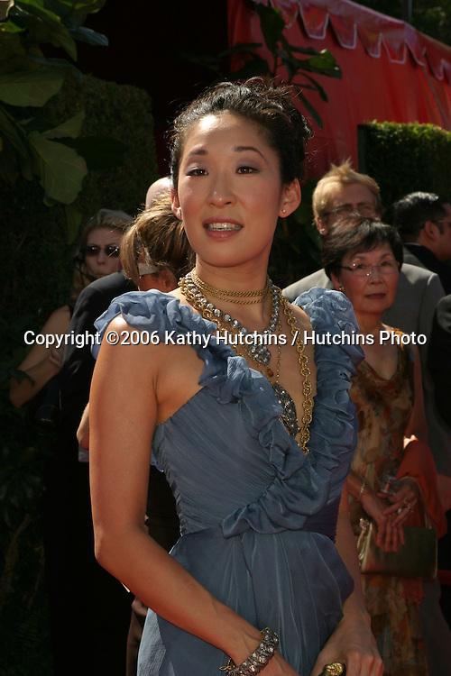 Sandra Oh.58th Primetime Emmy Awards.Shrine Auditorium.Los Angeles, CA.August 27, 2006.©2006 Kathy Hutchins / Hutchins Photo....