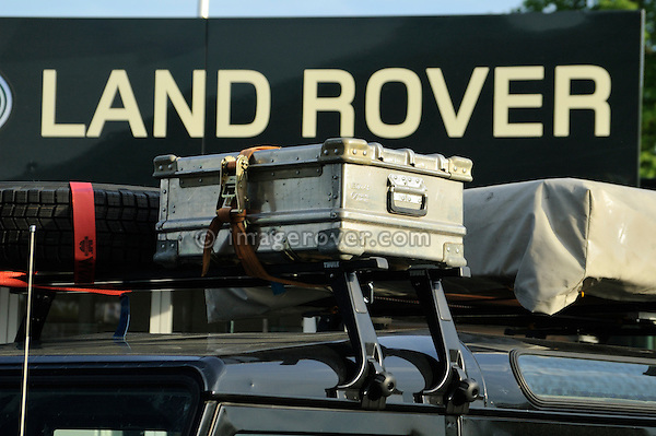 Germany, Bad Kissingen, Allrad Messe, 25-29.05.2005. Land Rover Defender roofrack. --- No releases available. Automotive trademarks are the property of the trademark holder, authorization may be needed for some uses.