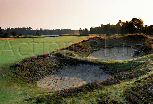 View of the bunker on the 9th hole at the Woodhill Spa Golf Club, Lincolnshire, England. Photo: Brian Morgan/actionplus.. .course courses general view views scene scenery spectacular clubs landscape venue English ninth 074