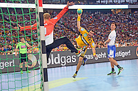 Gedeo Guardiola (Löwen) gegen Jogi Bitter (HSV) - Tag des Handball, Rhein-Neckar Löwen vs. Hamburger SV, Commerzbank Arena