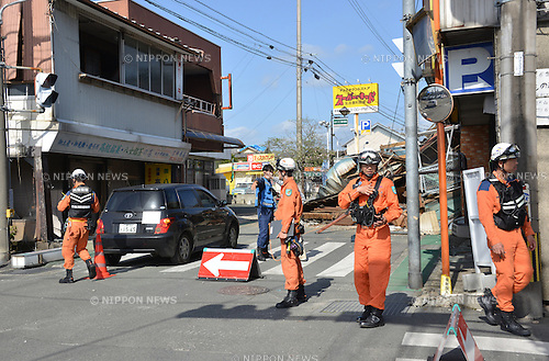 April 17, 2016, Kumamoto, Japan - Rescue workers check collapsed houses at Mashiki town in Kumamoto prefecture on Sunday, April 17, 2016. More than 40 people died and some 1,000 injured as massive earthquakes attacked Japan's southern island of Kyushu. (Photo by Yoshio Tsunoda/AFLO) LWX -ytd-