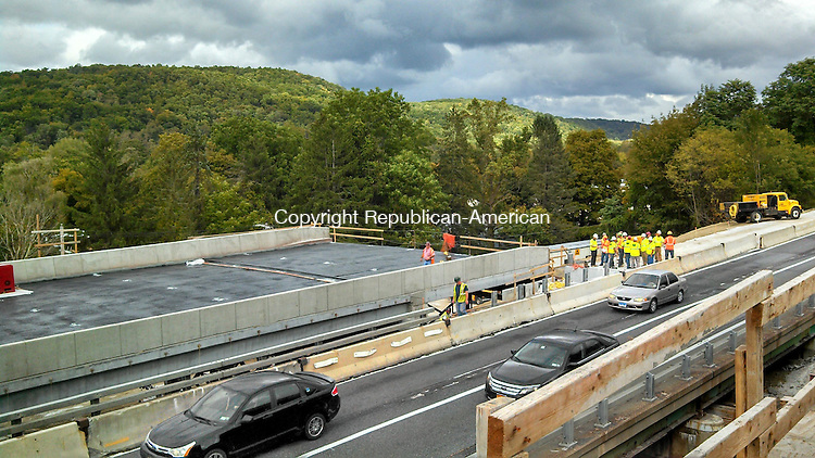 SOUTHEAST, N.Y. - 21 Sept. 2013 - 092113AL01 - A pre-assembled bridge, left, is replacing the section of Interstate 84 that runs over Dingle Ridge Road in the town of Southeast, N.Y. I-84 westbound was closed Saturday while the new bridge was installed. The highway is expected to reopen today. Andrew Larson / Republican-American