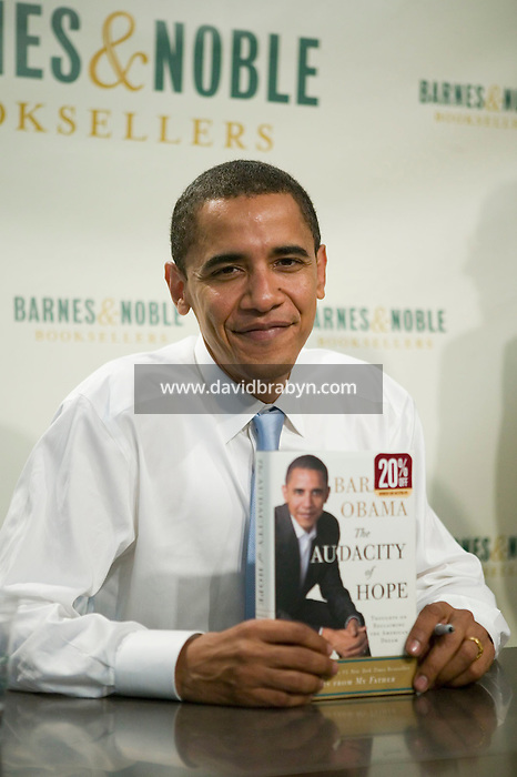 Democratic US Senator from Illinois Barack Obama poses for the photographer during a book signing event at a Barnes &amp; Noble store in Manhattan, New York, USA, 19 October 2006. Obama is promoting his new book titled &quot;The Audacity of Hope: Thoughts on Reclaiming the American Dream&quot;.<br />