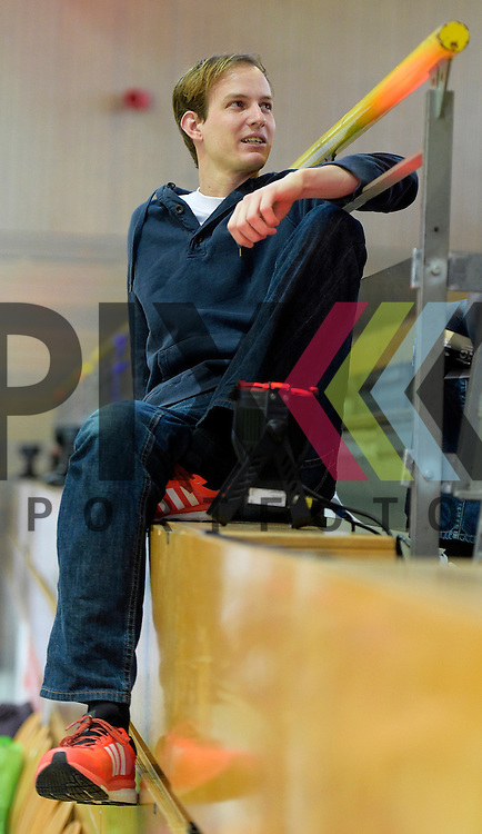 GER - Luebeck, Germany, February 06: During the 1. Bundesliga Damen indoor hockey semi final match at the Final 4 between? on February 6, 2016 at Hansehalle Luebeck in Luebeck, Germany.  assistant coach Gerritt Kollegger of Mannheimer HC<br /> <br /> Foto &copy; PIX-Sportfotos *** Foto ist honorarpflichtig! *** Auf Anfrage in hoeherer Qualitaet/Aufloesung. Belegexemplar erbeten. Veroeffentlichung ausschliesslich fuer journalistisch-publizistische Zwecke. For editorial use only.