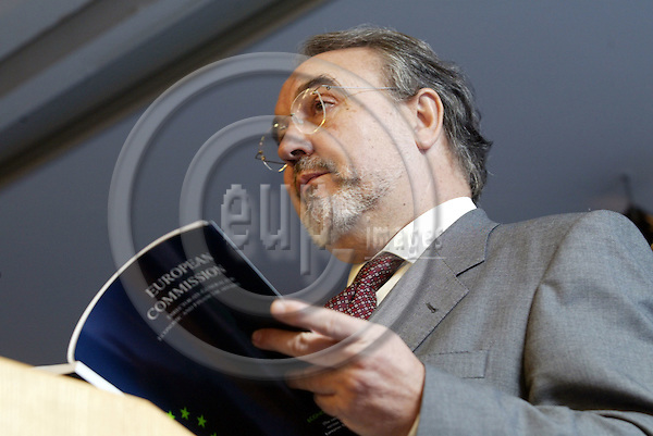 Belgium--Brussels--Commission     29.10.2003.Pedro SOLBES Mira, Commissioner for Economic and monetary affairs on autumn economic forecasts  ;  ..PHOTO: EUP-IMAGES / ANNA-MARIA ROMANELLI