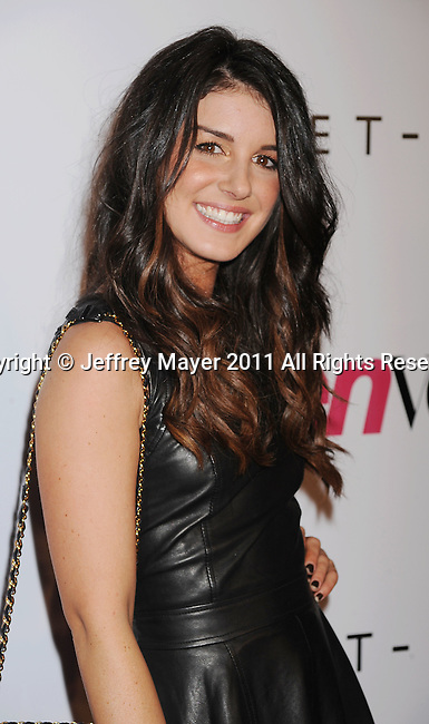 HOLLYWOOD, CA - SEPTEMBER 23: Shenae Grimes arrives at the 9th Annual Teen Vogue Young Hollywood Party at Paramount Studios on September 23, 2011 in Hollywood, California.