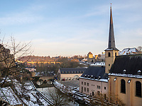Alzette und Abtei Neum&uuml;nster in Grund, Luxemburg-City, Luxemburg, Europa, UNESCO-Weltkulturerbe<br /> Alzette and Abbey Neum&uuml;nster in Grund, Luxembourg City, Europe, UNESCO Heritage