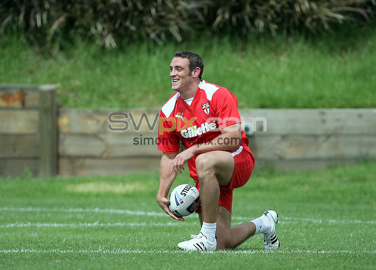 PICTURE BY VAUGHN RIDLEY/SWPIX.COM - Rugby League - Rugby League World Cup 2008 - England Training Session - Balance, Newcastle, Australia - 05/11/08...Copyright - Simon Wilkinson - 07811267706...England's Rob Purdham takes part in Wednesday's training session.