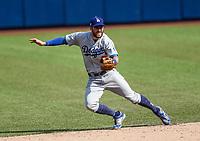 Chris Taylor hace un lance en una jugada. Atrapada de pelota. <br /> <br /> Acciones del partido de beisbol, Dodgers de Los Angeles contra Padres de San Diego, tercer juego de la Serie en Mexico de las Ligas Mayores del Beisbol, realizado en el estadio de los Sultanes de Monterrey, Mexico el domingo 6 de Mayo 2018.<br /> (Photo: Luis Gutierrez)