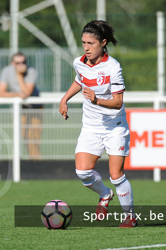 20160806 - LILLE , FRANCE : LOSC's Caroline La Villa pictured during a friendly game between the women teams of Lille OSC and Henin Beaumont during the preparations for the 2016-2017 season at stade Lille Metropole , Saturday 6th August 2016 ,  PHOTO Dirk Vuylsteke | Sportpix.Be