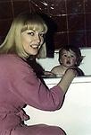 Polish film star Barbara Brylska with her son Ludwig (04/12/1984). / Барбара Брыльска с сыном Людвигом (12.04.1984). <br /> Личный архив Б.Брыльской