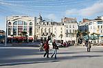 20080110 - France - Aquitaine - Pau<br /> CAFES ET PLACE CLEMENCEAU AU CENTRE VILLE PIETONNIER DE PAU.<br /> Ref : PAU_004.jpg - © Philippe Noisette.