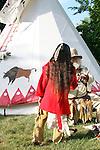 blanket Native American Indian family trading moutainman tipi Lakota Sioux Indians united states trade business meet meeting greet mother mom mum ma child children kids male man female woman red coats Greifenhagen 468-2281 MR 392i 393u n 402i 403u