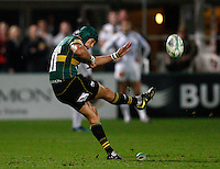 Photo: Richard Lane/Richard Lane Photography. Northampton Saints v Castres Olympique. Heineken Cup. 08/10/2010. Saints' Bruce Reihana kicks.